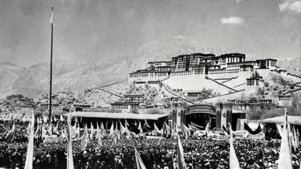 红色的拉萨河 西藏罗布林卡大屠杀(组图)
