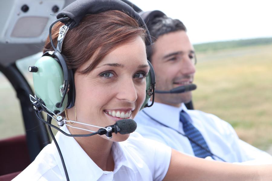 机师和航空公司的签派员不会总是用很正式的方式沟通。