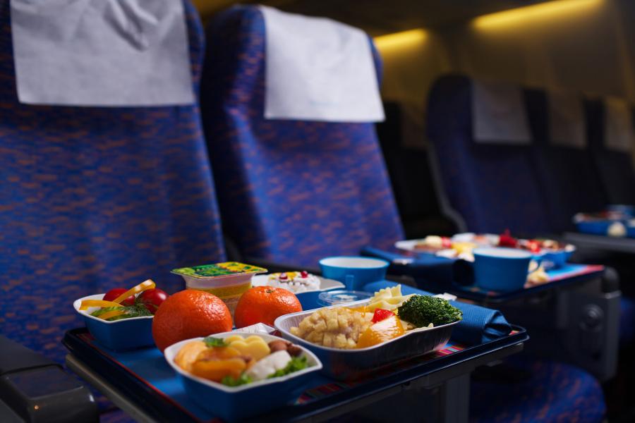 飞机餐很难吃是有原因的。