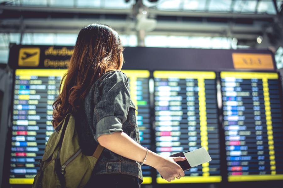 飞机误点不只影响乘客,也会影响空服员。