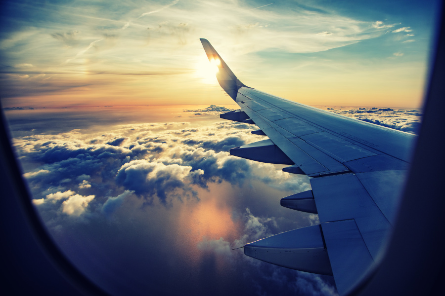 最舒服的位置是在靠近机翼的区域。
