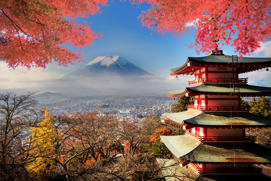神社属于日本宗教的神道,多为敬畏自然衍生之祭祀物件。