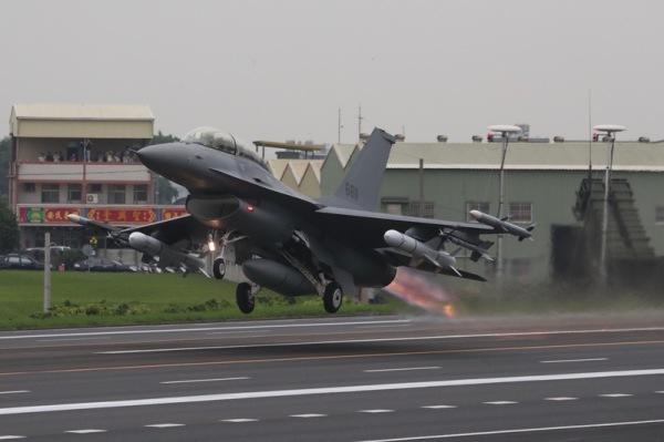 亚洲最强中轻型F-16V战机 美售台6大看点(组图)