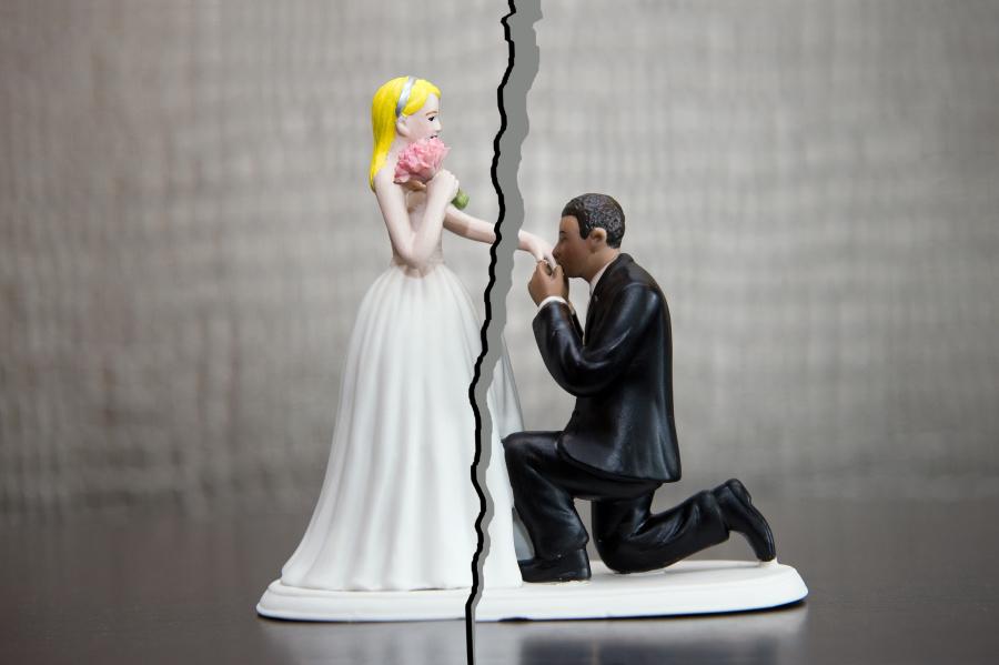 有钱之后泰森对于感情就没那么重视,他之前2段婚姻来得快结束的也快。