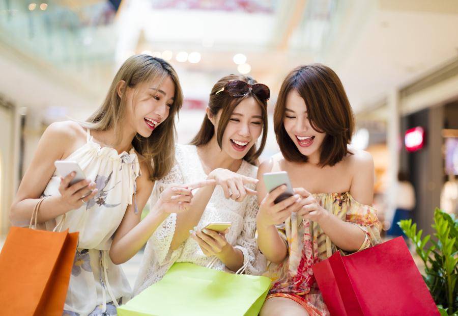 大陸年輕人的穿搭跟臺灣人很多相似之處,可是整體感覺卻又不太相同。