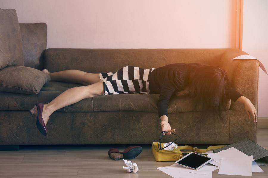 那些熬夜的人会比早睡的人更有精神病倾向。