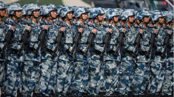 中共解放��v香港士兵(�D片�碓矗�DALE DE LA REY / AFP / Getty Images)