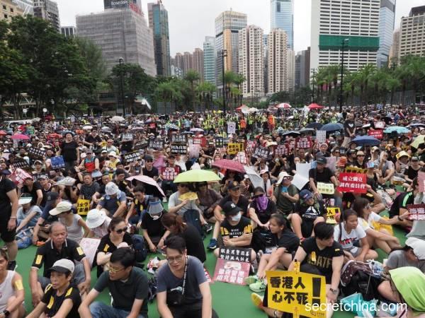 一个支持香港示威者的内地人的悲哀(组图)