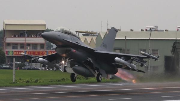 采购66架F-16V非F-35 空军阐述4优势(组图)