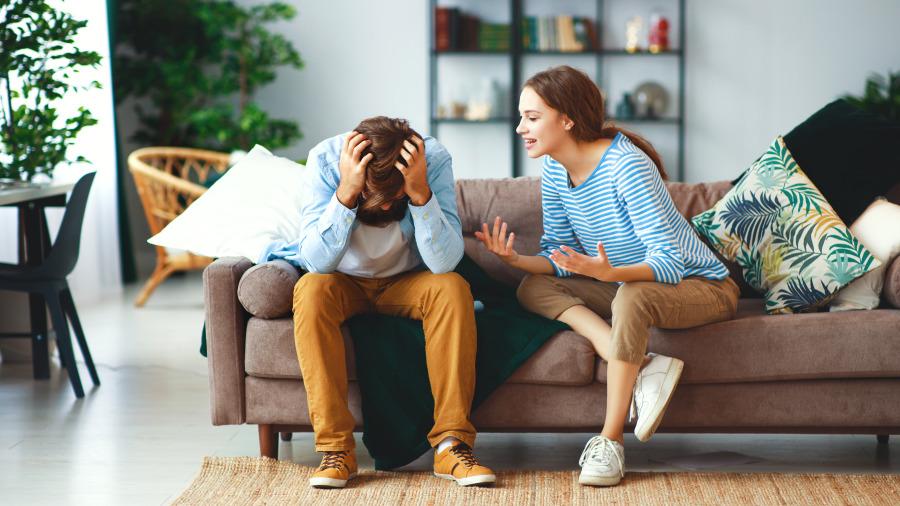 为什么吵架时,男人总是保持沉默!