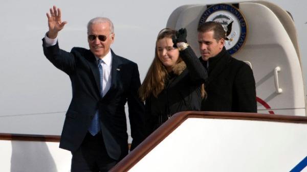 2013年12月4日,美国副总统乔.拜登与儿子亨特.拜登到访北京。